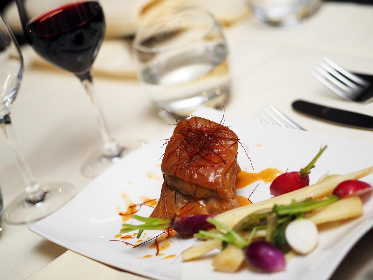 La table des roy nantes ferme because gus - Restaurant la table des roy ...