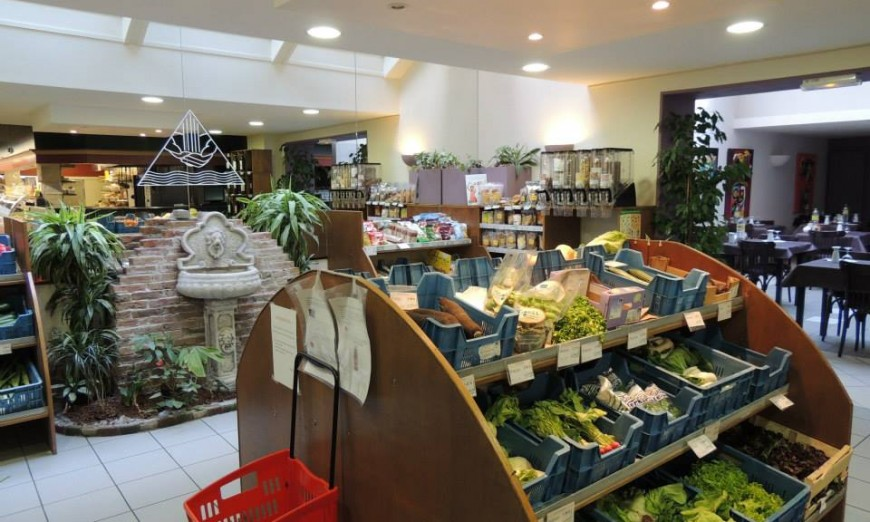 Boutique et restaurant La Source /1