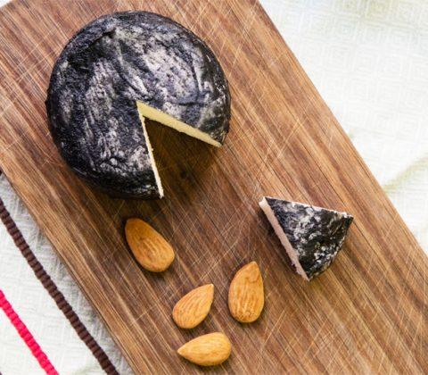 A la découverte du fromage vegan ! Le Jean Cendré de ©Jay & Joy