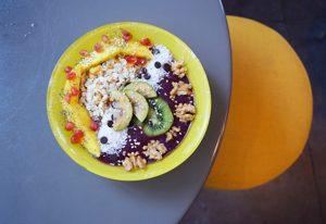 Açaï bowl chez Lula pendant un food tour sans gluten à Paris ©Chiara Russo