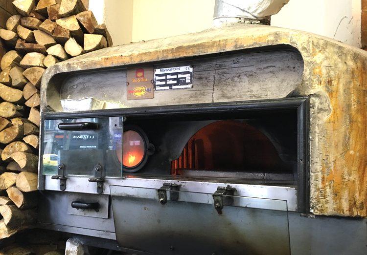 La Scuderia del Mulino - pizza sans gluten à Paris au four à bois ©Because Gus