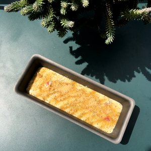 Ça va être prêt ! ©Because Gus Le cake sans gluten aux graines de chia de Carole !