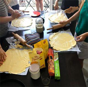 Les participantes en action ! ©Because Gus La super recette de fond de tarte sans gluten !