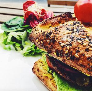 Où manger un burger sans gluten à Paris ? Le portobello de ©Raw Cakes