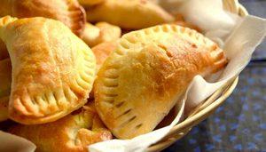 On fête l'arrivée du nouveau site de Nature & Cie ! Les empanadas poulet et curry de ©Nature & Cie