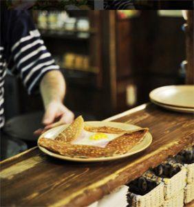 Est-ce qu'il y a du gluten dans le blé noir ?! Une galette ?! ©Breizh Café