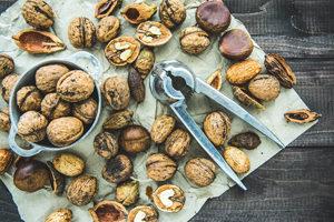 Petits pains sans gluten au roquefort et aux noix ©Mira Bozhko