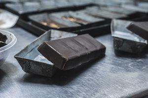 Que la tentation soit au Salon du Chocolat - Un carré ? ©Daniel Fazio
