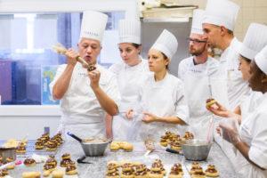 Peut-on passer son CAP pâtisserie quand on est sans gluten ? ©F. de Silans pour l'Ecole Ferrandi