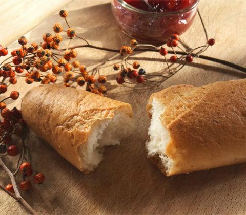On croustille de plaisir avec la baguette sans gluten de Genius ! ©Because Gus
