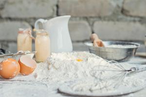 Les ingrédients de la brioche tressée sans gluten et sans lactose ©Schär